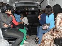 اعتقال ستة أشخاص كانوا في جلسة خمرية يستمعون للأمداح