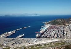 جون أفريك: الميناء الضخم طنجة المتوسط يحتفظ بجاذبيته على الرغم من الجائحة