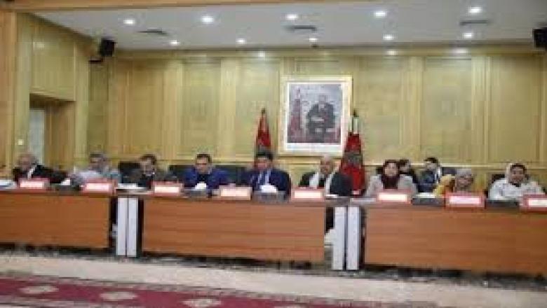 توقيع اتفاقية شراكة بين الجمعية المغربية لرؤساء مجالس الجماعات وجمعية تاركة لتحسين آليات الحكامة والتدبير