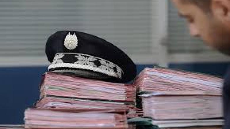 توقيف ضابط شرطة للاشتباه في تورطه في قضية تتعلق بالنصب والاحتيال