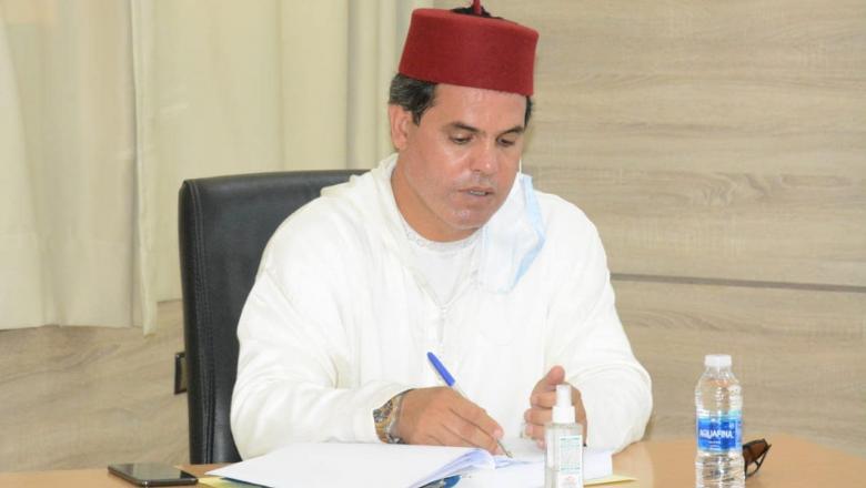 جانب من مناقشة رئيس جماعة لدكتوراه تحت عنوان : إعادة هيكلة الشأن الديني في عهد الملك محمد السادس